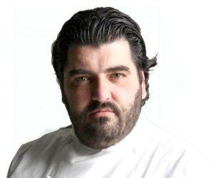 Scopri la biografia e le ricette di Antonino Cannavacciulo su In Cucina con FoxLife: leggi tutto!