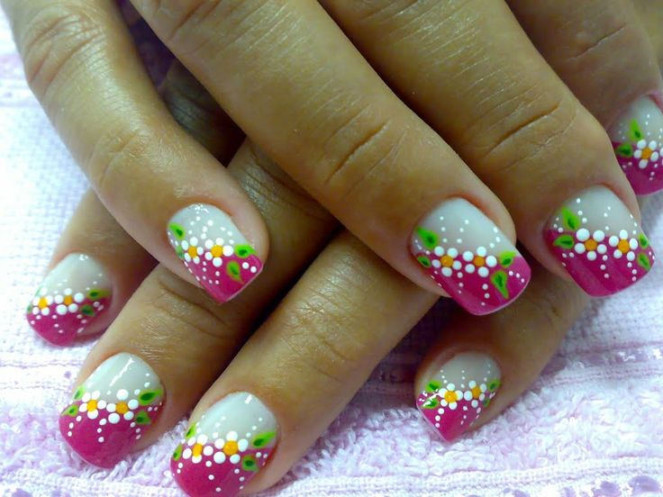Unhas decoradas, francesinha colorida.