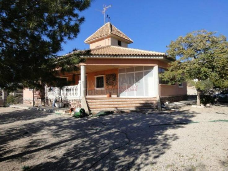 REDUCED to 149900€ A spacious rustic house on a plot of about 2000m2 situated in a quiet area of the Sierra de Albatera and with great views.  The house has a build area of 210m2 with 3 bedrooms, a kitchen, a bathroom, a living room, a tower and a large porch.  There is a pool of 5x10 which needs the surrounding area completing. The house has all papers in order. Ref: Alba Jess