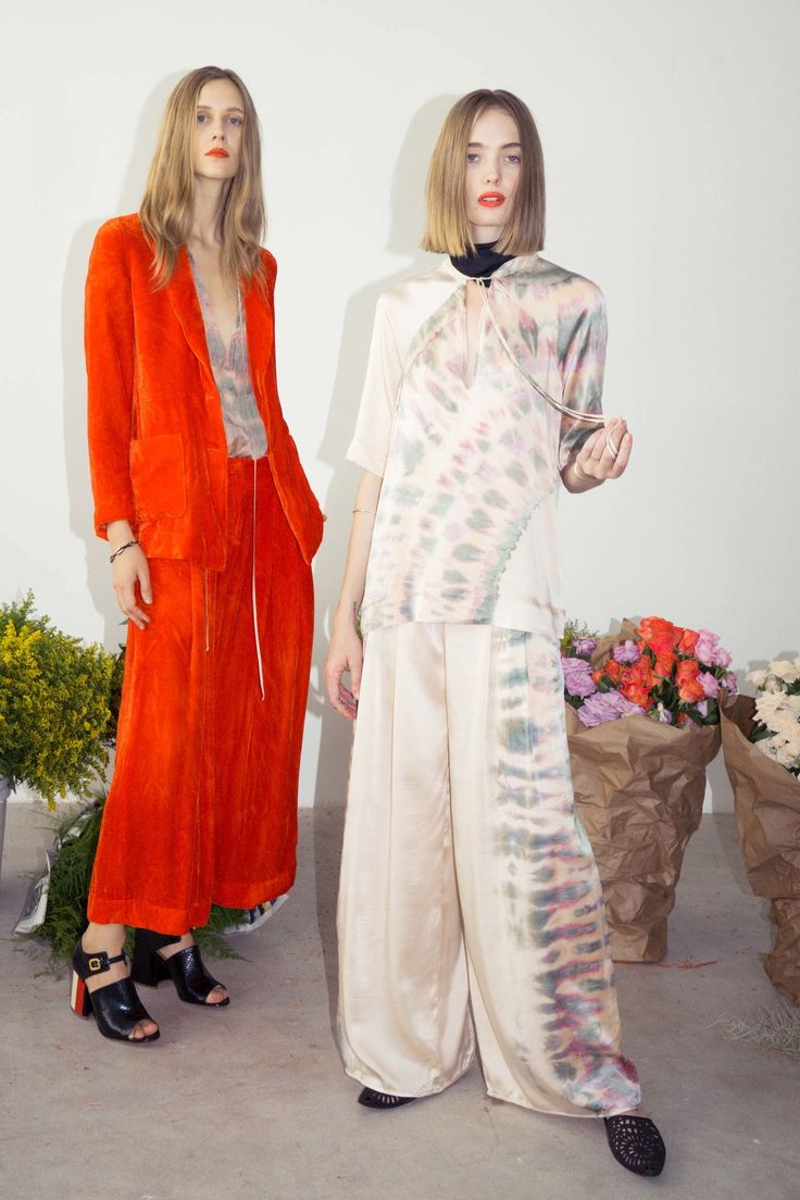 See the complete Raquel Allegra Pre-Fall 2017 collection.