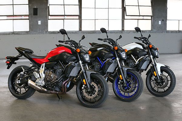 Ahora por las agallas. Relájese... o no. Read more at http://www.yankodesign.com/2014/06/30/yd-gets-naked-with-the-2015-yamaha-fz-07/#DzgDLrRWBR2BQHL5.99