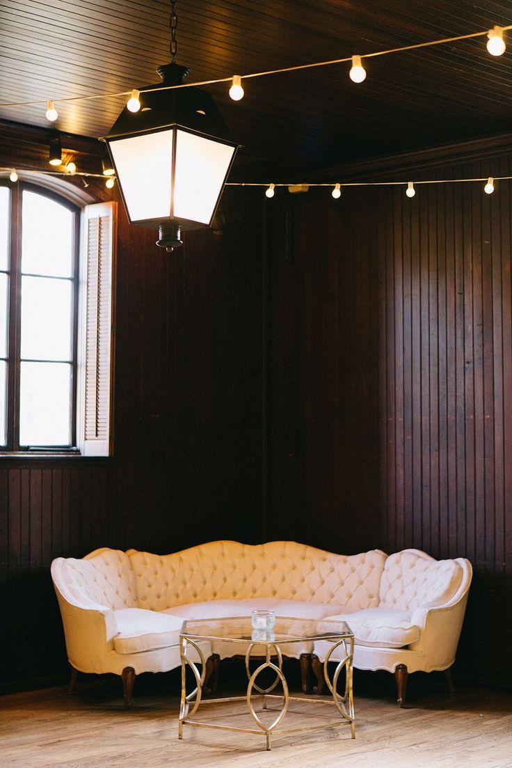 Luxury Wedding Lounge Decor White Glove Rentals Planning Styling Pop The Cork Designs Venue Ev Lounge Decor Tufted Sectional Sofa Wedding Lounge Decor