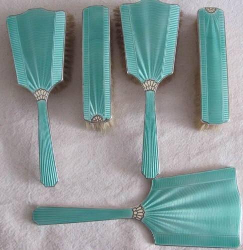 Vintage enamel deco dresser set, perfect shade of Tiffany blue!