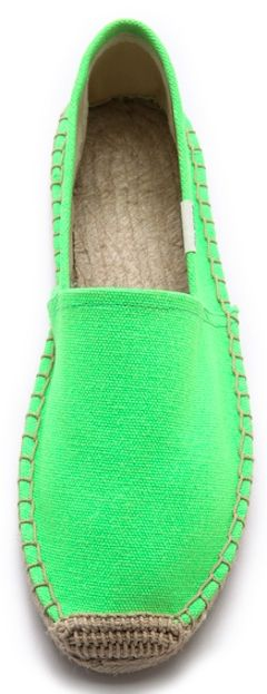 bright #green canvas espadrilles http://rstyle.me/n/i8hknr9te