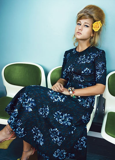 Belgian singer Selah Sue in W Magazine spread: Beehive + flower in hair + 50s style dress = awesome