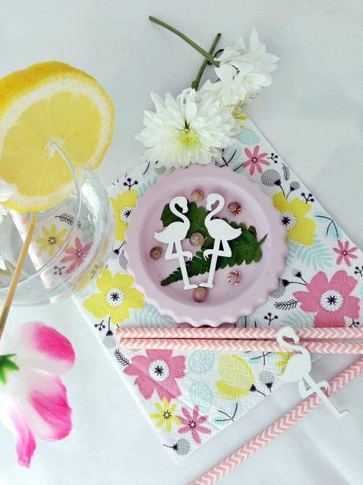 Flamingós poháralátét gipszből - elkészítési módját az Élj okosabban weboldal részére készült cikkemben nézheted meg: https://eljokosabban.hu/poharalatet-keszitese-otthon/