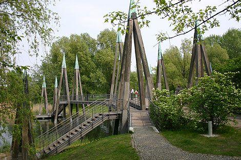 Britzer Garten - Hauptbrücke  Grünanlagen in Neukölln