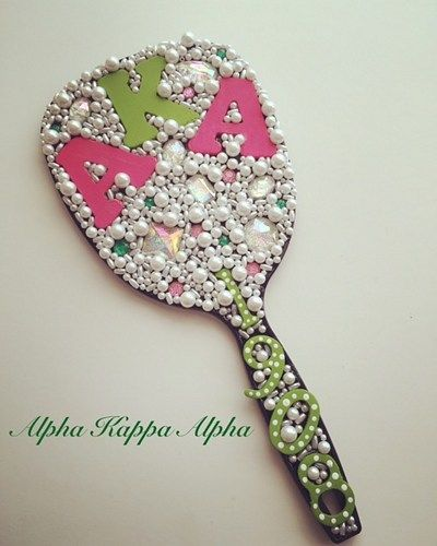 I'm pretty on my left..... I'm pretty on my right...  This is a very glamorous sorority mirror for the lovely ladies of Alpha Kappa Alpha Sorority, Inc. Mirror is adorned in medium size hand painted w
