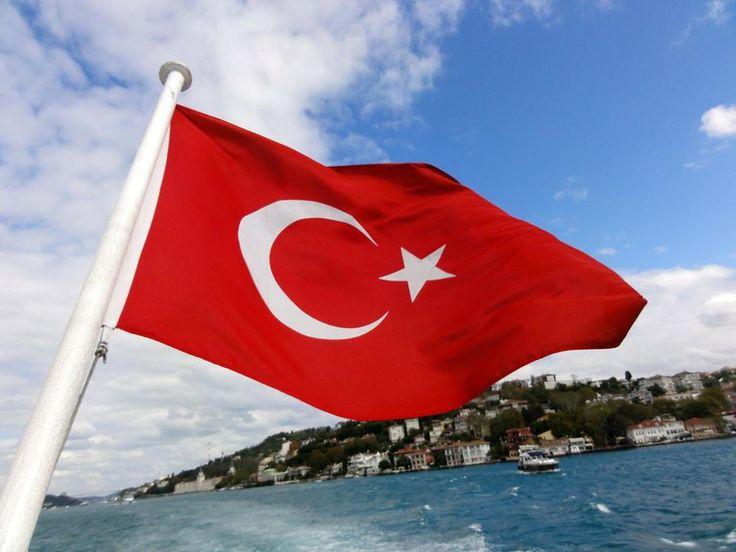Die EU-Beitrittsverhandlungen mit der Türkei müssen umgehend gestoppt werden und die geplante EU-Visafreiheit für Türken darf keinesfalls kommen.   Seit dem Jahr 2007 sind nahezu 5 Milliarden Euro Heranführungshilfe an die Türkei geflossen, das Resultat ist gleich Null! Stattdessen werden demokratische Werte mit Füßen getreten. Die Türkei kann daher niemals Mitglied der EU sein!   VP-Außenminister Kurz ist hier gefordert, seinen Medien-Luftblasen endlich konkrete Taten folgen zu lassen.