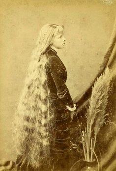 cabelos enormes on Pinterest | Victorian Women, Vintage Long Hair ...