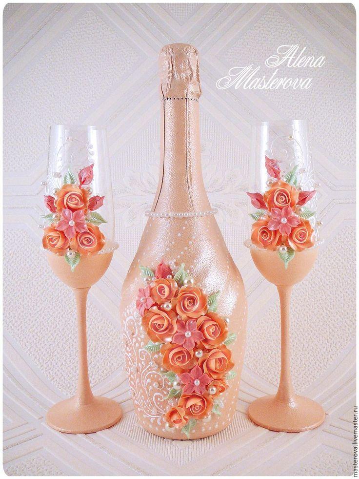 Купить или заказать Свадебный набор аксессуаров, коллекция ' Эллегия' в интернет-магазине на Ярмарке Мастеров. В комплект входит; 2 бутылки шампанского и фужеры. Стоиоимость напитка оплачивается отдельно.…