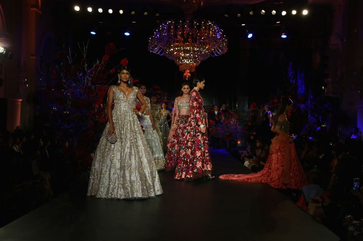 It sucked that we didn't get invited to Manish Malhotra's show. It was one of the 3 shows that took place off-site at Amazon India Couture Week, and for some reason, off-site = limited …