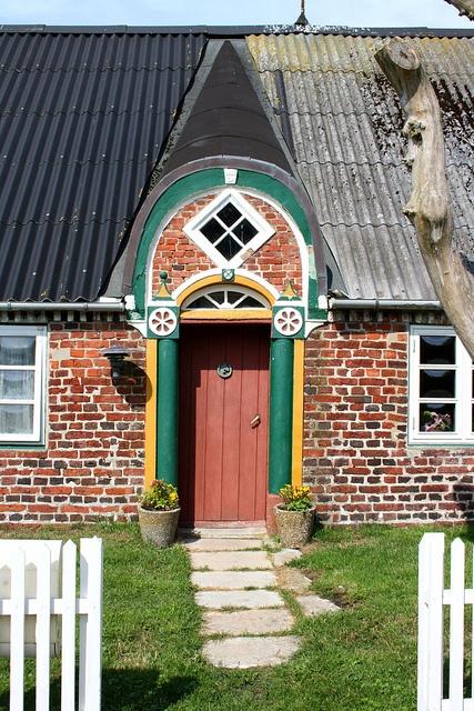 Juvre, Denmark Dør photo by Benny Hünersen, via Flickr: Dør Photos, Traeger Hünersen, Benni Hünersen, Doors Decor, Doors Doors, Dør Danishes Doors, Front Doors, Benni Traeger, Pools