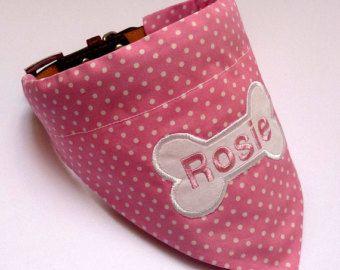 Bandana perro  impresión de Paisley rosa con lazo