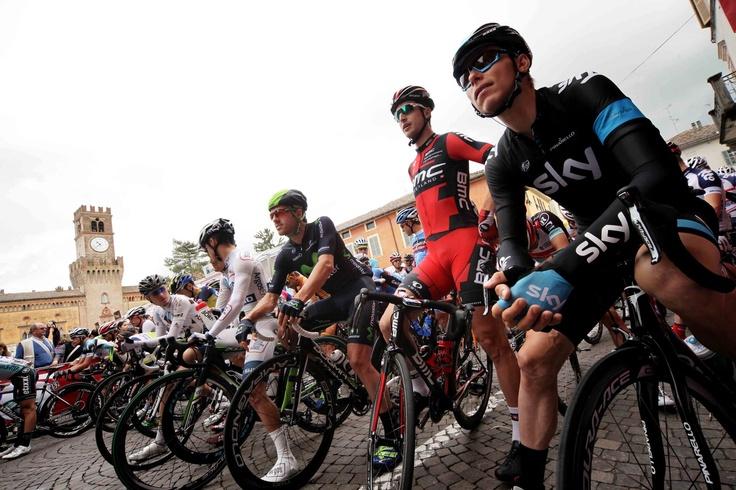 Busseto, 17 maggio 2013 – Siamo alla tredicesima tappa del Giro d'Italia: da Busseto a Cherasco che, con i suoi 254 km di lunghezza, è la frazione più lunga di questa edizione della Corsa Rosa.