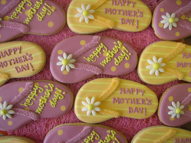 flip flop cookie favours by decadent cookie, via Flickr