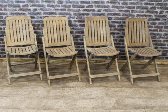 These beautifully handmade solid oak steamer chairs feature a weathered oak appearance, and are ideal for any restaurant, dining room, conservatory etc. - See more at: http://www.peppermillantiques.com/folding-chairs-oak-steamer-chairs/#sthash.emSBcZEr.dpuf