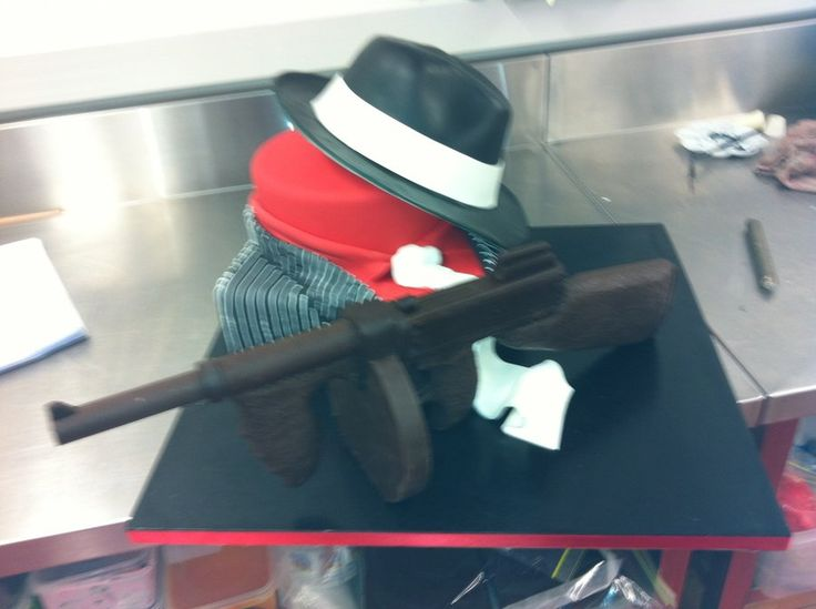 Best Cake Decorating Gun : 7 best gangster cake images on Pinterest 1930s, 35th ...