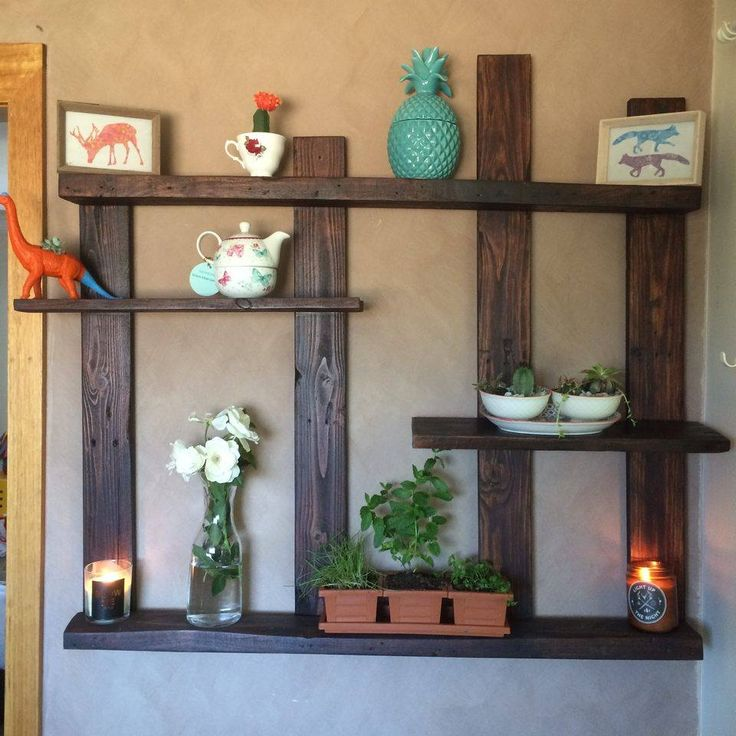 Pallet Shelf for Wall Decor | 101 Pallet Ideas