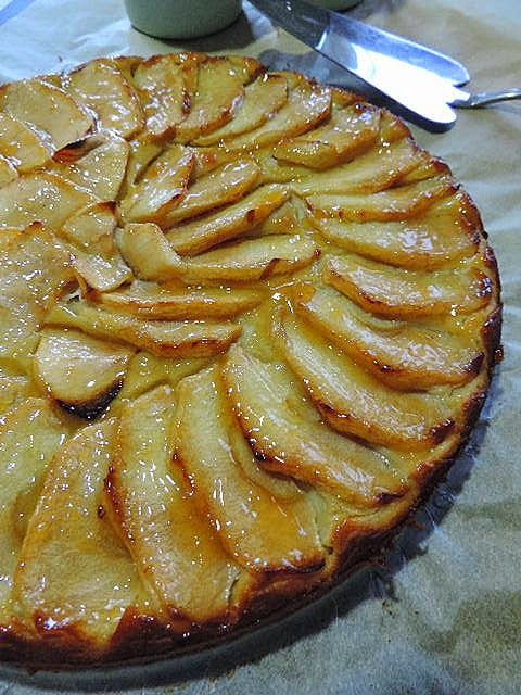 Prueba esta versión de tarta de manzana que nos cuentan cómo hacer desde el blog MARRÓN-GLACÉ.