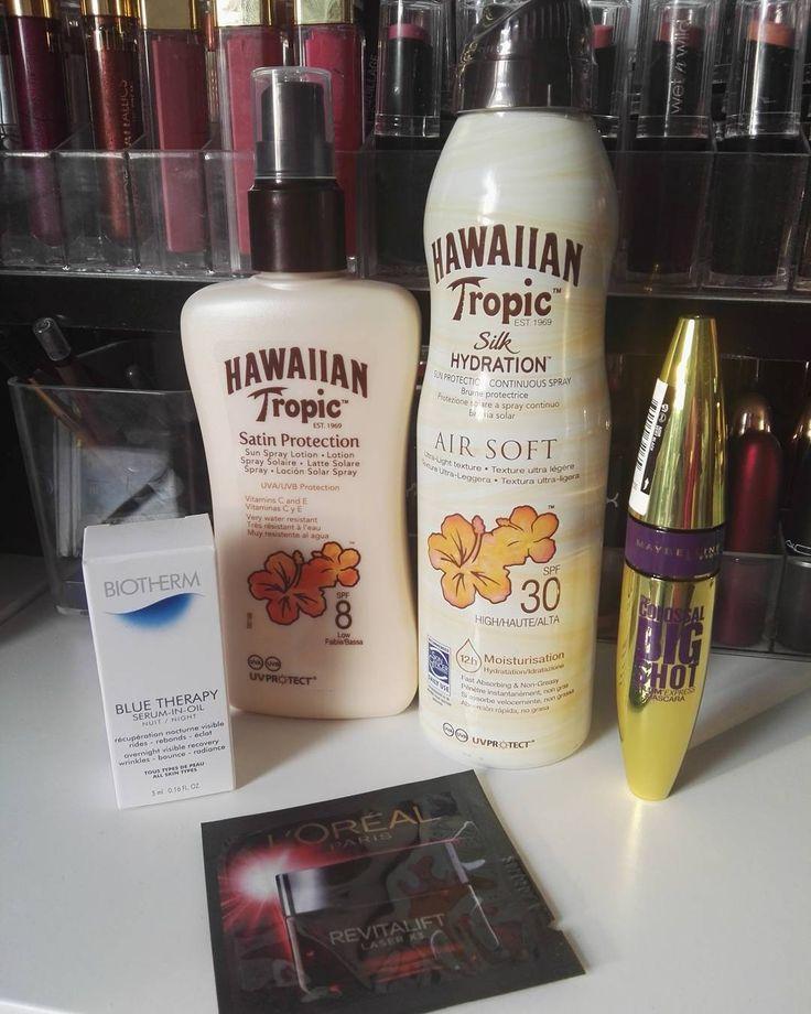 Segunda parte del Pedido a Primor ��  Protección Solar hasta para cuando pasa una nube oiga... ¡Que no falte! Me he sacado un bono de la piscina de mi pueblo y voy a aprovecharlo a tope �� Me compré la nueva máscara de pestañas de Maybelline para probarla �� Mi caprichillo vamos... El resto muestras de regalo ��  #beauty #belleza #beautybloger #cosmetica #makeup #maquillaje #blogger #cosmetic #fashiongirl #girlmakeup #smile #sonrie #ponteguapa #sigueme #beautyfull #makeypaddict #makeuplover…
