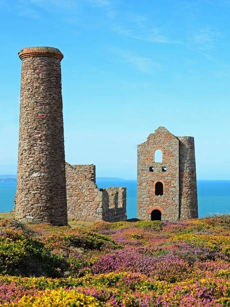 WHEAL COATES: tin mine near St Agnes in Cornwall. 'Legend has it that the mine is haunted by the ghosts of the many miners who died there working in extreme and dangerous conditions.' ✫ღ⊰n