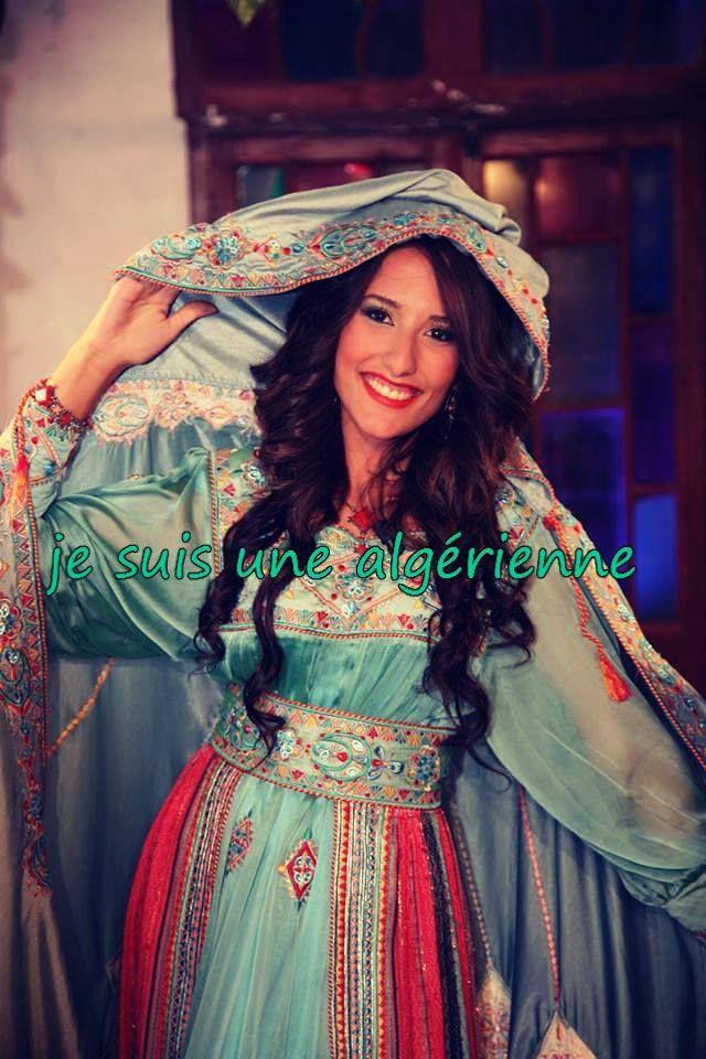 robe kabyle traditionnelle tenues orientales et robes de. Black Bedroom Furniture Sets. Home Design Ideas