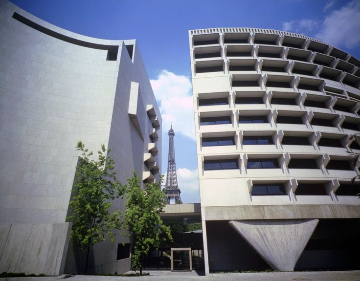 Paris,  Harry Seidler architect