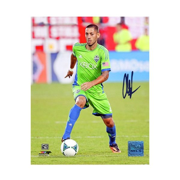 Steiner Sports Clint Dempsey Signed Seattle Sounders Dribbling 16x20 Photo