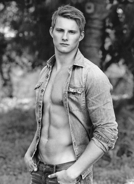 ((Fc Alexander Ludwig, Let me know if hes taken)) Hey, I'm Xander. I'm 17 and single. I'm on the football team. Number 45. And yeah Introduce.