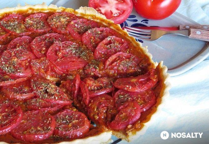 Paradicsomos-kakukkfüves pite