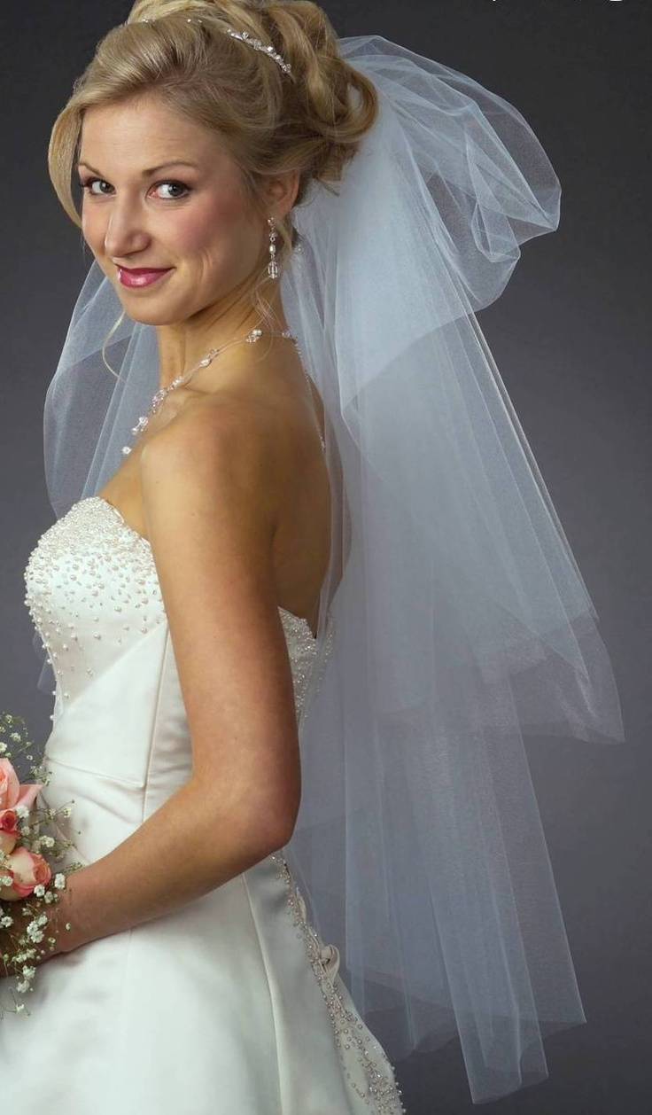 ... BRIDAL VEILS AND BOQUETS on Pinterest | Lorraine, Birdcage veils and
