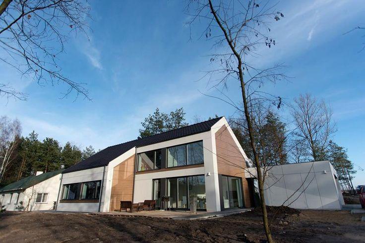 H5 #ecoreadyhouse #erh #domyerh #domypasywne #domyenergooszczedne #ekodom #domnowoczesny #nowoczesny #skandynawskistyl #skandynawski #styl #dommarzen #dom #minimalizm #prostota #house #home #passivehouse #energysavinghouse #ecosmart #greenenergy #modernhome #modernhouse #moderndesign #interiordesign #homeinterior #homedesign #modularhouse #dreamhome #homesweethome #scandinavianstyle #scandinavian #scandinaviandesign #minimalism #simplicity #design #architecture #lifestyle #Poland