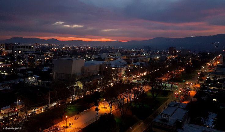 Alameda de Talca. Calle 4 Norte. Ciudad de Talca. Chile.  Julio 26. 2017. 18:30 hs.