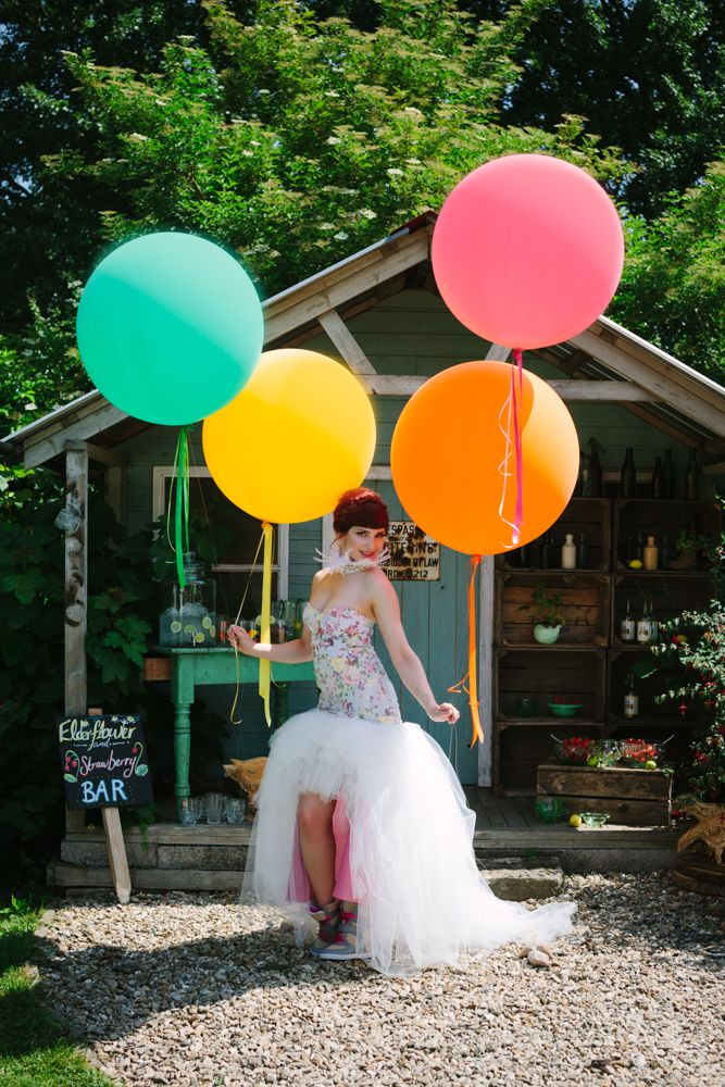 Giant Balloons and Giant Wedding Balloons by The Giant Balloon Company. www.thegiantballooncompany.com