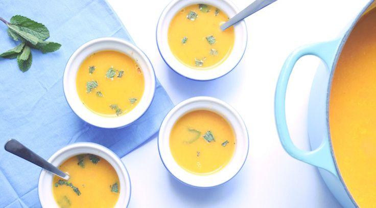 Soep met sinaasappel? YES! En lekker dat -ie is! Ik had deze fijne, gezonde soep gemaakt als soort van amuse voor een diner met vriendinnetjes. Maar je kan er o