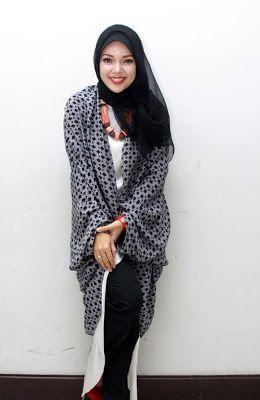 Outer Dewi Sandra