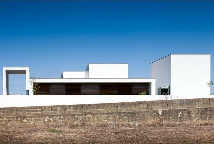 Aradas1 House