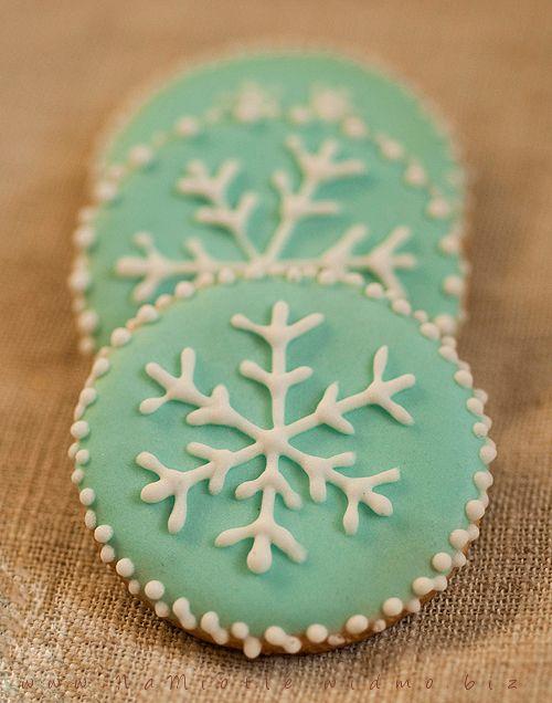 Snowflake Sugar Cookies, winter cookies, Christmas cookies, cooking cookies, turquoise cookies, food, holiday party food, food gifts