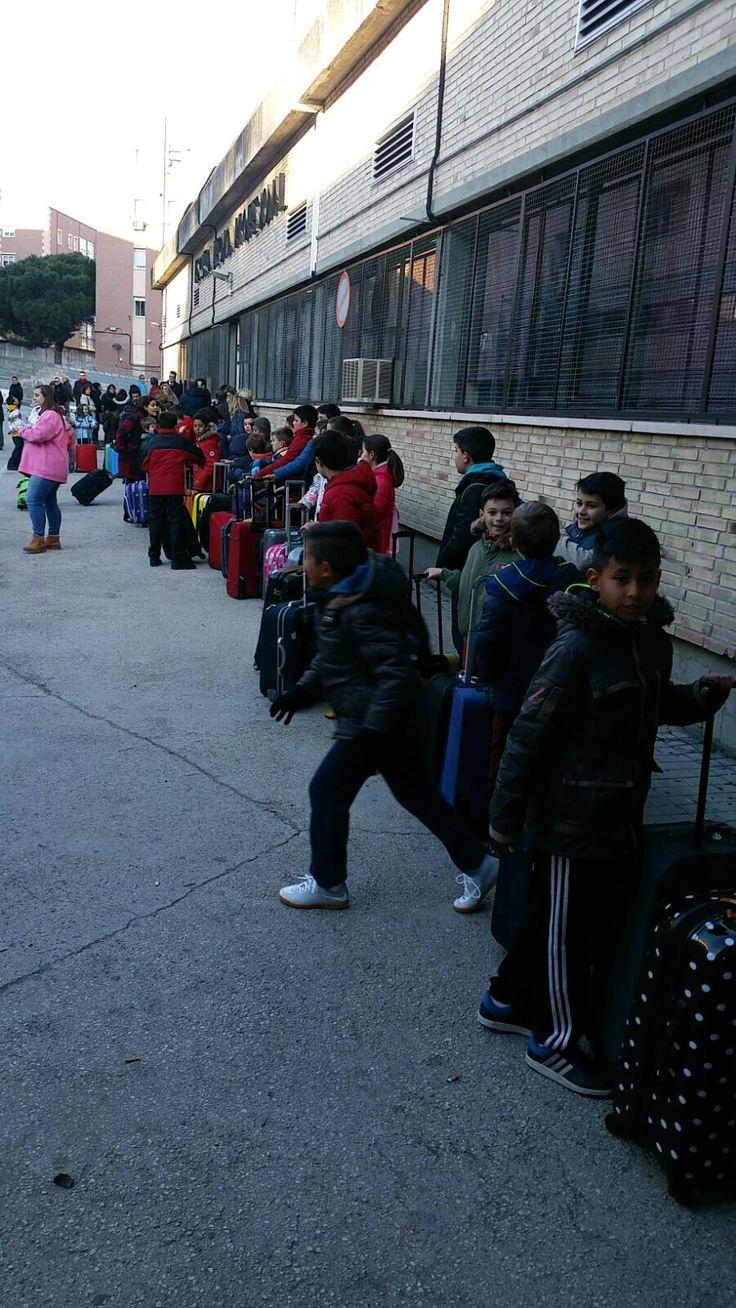 Colegio concertado La Salle Sagrado Corazón - PRIMARIA: Finaliza nuestro primer día.