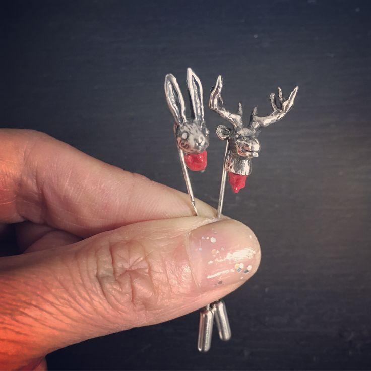 Head off rabbit & stag stick pin 🗿