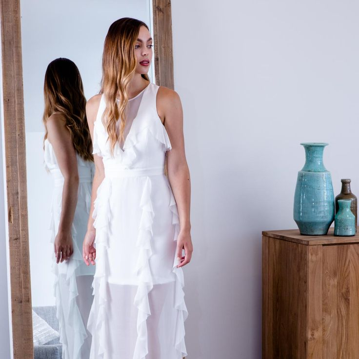 Modern, effortless, elegant wedding dress | Fiona Claire