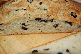 Mijn blog: Heerlijk zelfgebakken olijvenbrood incl. het recept.