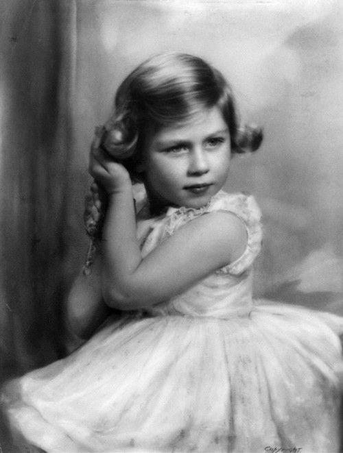 I love the Monarchy:  Princess Elizabeth of York (Queen Elizabeth II)