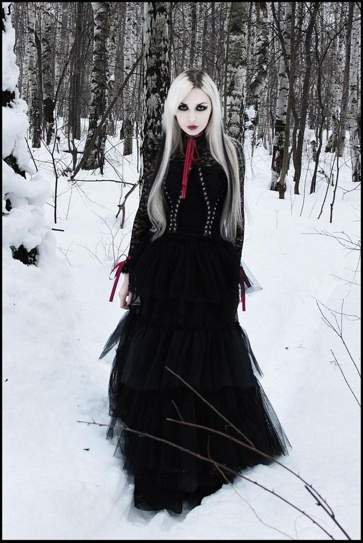 scary winter goth gothic fashion photography women. Black Bedroom Furniture Sets. Home Design Ideas