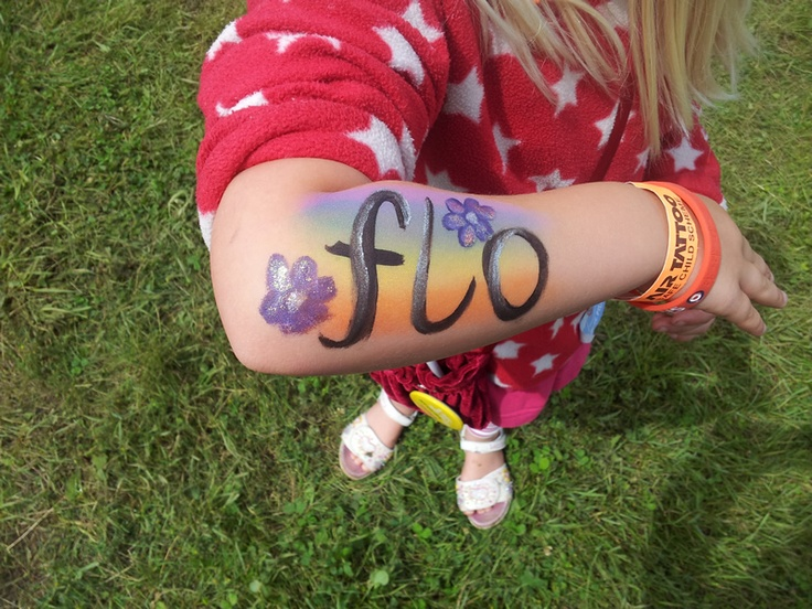Face or arm painting in this case never fails to entertain children!
