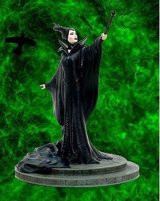 Maleficent Figure Limited Edition 300 DisneyStore Figurine Angelina Jolie Statue