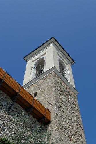 RESTAURO DEL CASTELLO DI POLPENAZZE un camminamento tra il mastio e la torre campanaria GIULIO LAMPERTI, BRUNELLA CAPPA