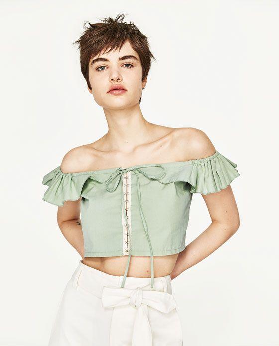 Imagen 2 de TOP CROPPED VOLANTE de Zara