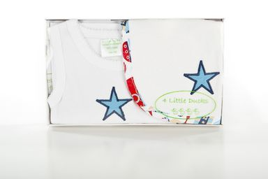 Newborn Baby Boy Gift Set. A singlet and bib set with blue star. Available online at Baby Presents. www.babypresents.net.au